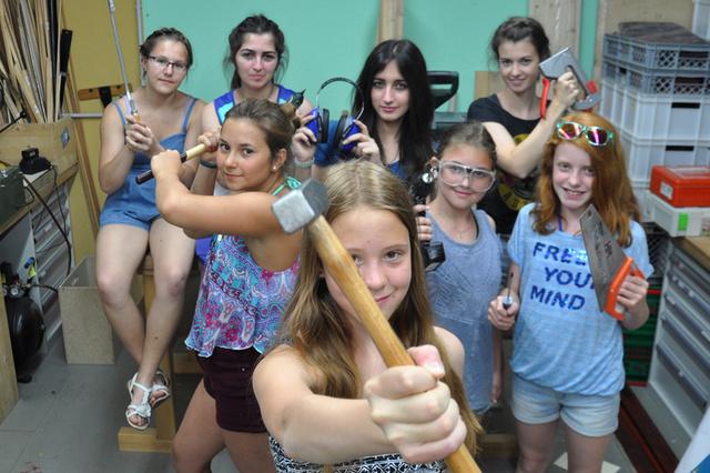Girls can do it! Mach Nägel mit Köpfen!