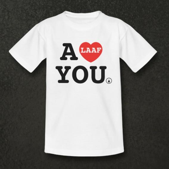 T-Shirt, Button, DVD und Nennung im Abspann