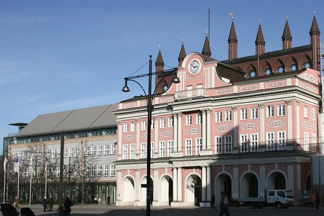 20 Jahre Rostock-Lichtenhagen - Umdenken durch öffentliche Diskussion