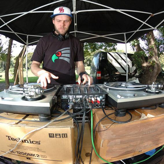DJ Coins für Dich