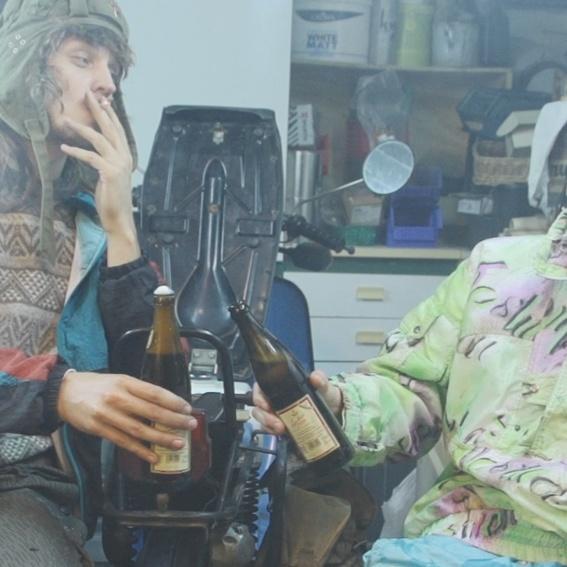 Hindrich und Günther trinken ein Bier auf Dich + Beweisfoto der Dankeschönhandlung