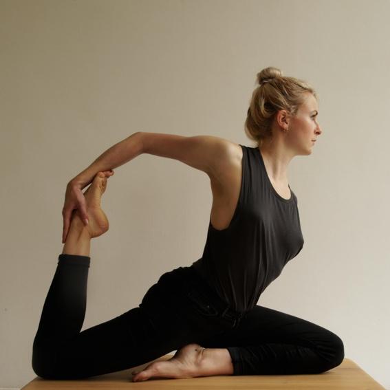 Yogastunde & 10x nucao