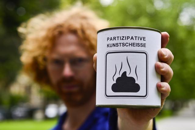 Participatory Artshit - a public convenience for everybody