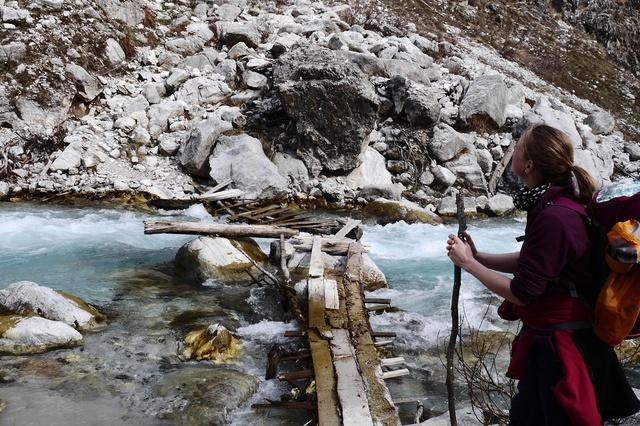 Schule, Bergwacht und klettern in Albanien