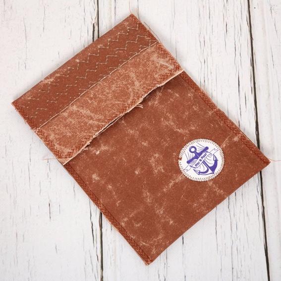 handgearbeitete Tasche aus Segeltuch