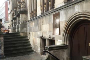Tastreliefs von 5 historischen Bremer Gebäuden
