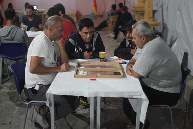 Refugees to refugees: Raus aus dem Wartezustand