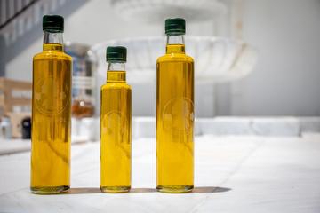 Bio Olivenöl in Pfandflaschen.