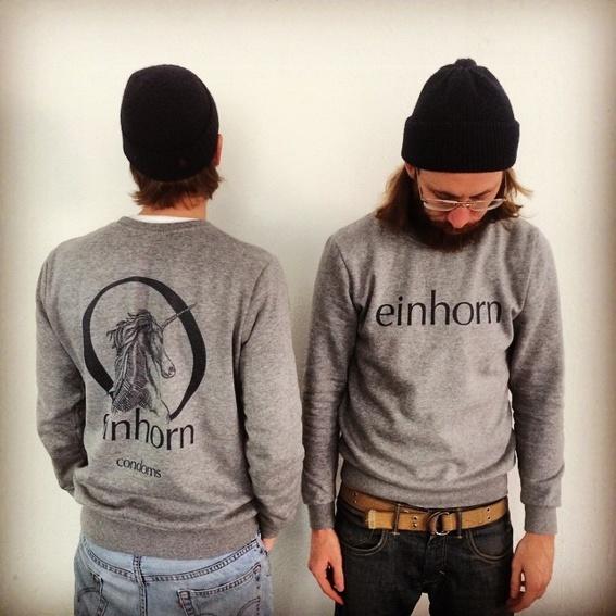 einhorn sweater mit Cult-Logo