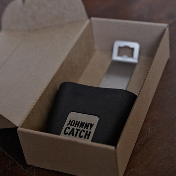 Johnny Catch moves in!
