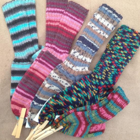 handgestrickte Socken, Farbe & Größe auf Wunsch