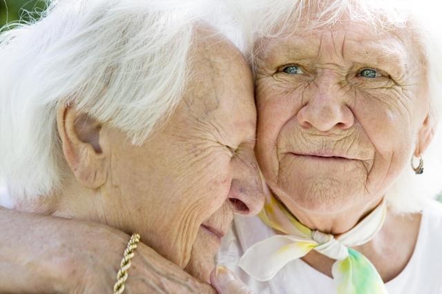 KONFETTI im Kopf Demenz berührt mit vielen Gesichtern