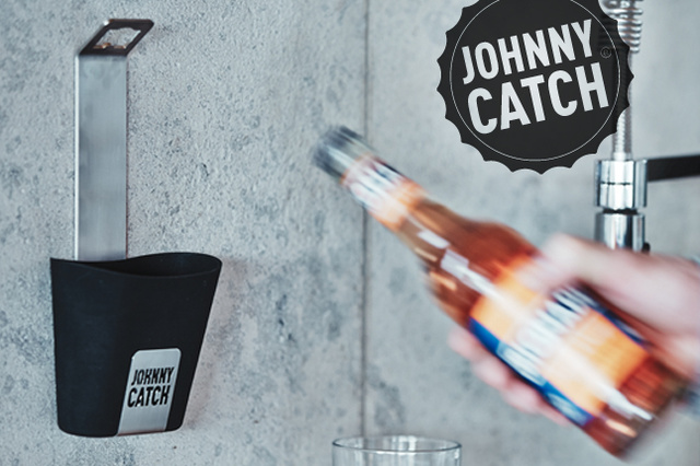 Johnny Catch - open the bottle and catch the cap!