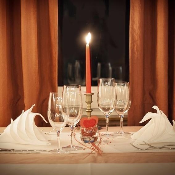 Candle Light Dinner 3-Gänge für zwei von JOCHEN SCHWEIZER