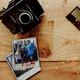 Exklusives, signiertes Set-Polaroid
