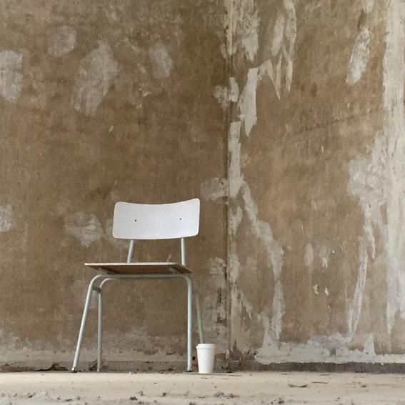 Dein Name auf einem Stuhl