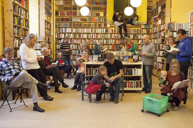 Bücher für alle - Berliner Büchertisch im neuen Kiez ♥