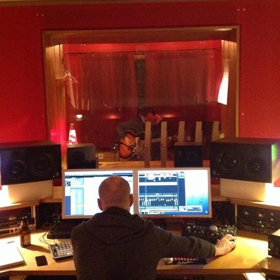 Studiobesuch + exklusives Prelistening für die neuen Songs