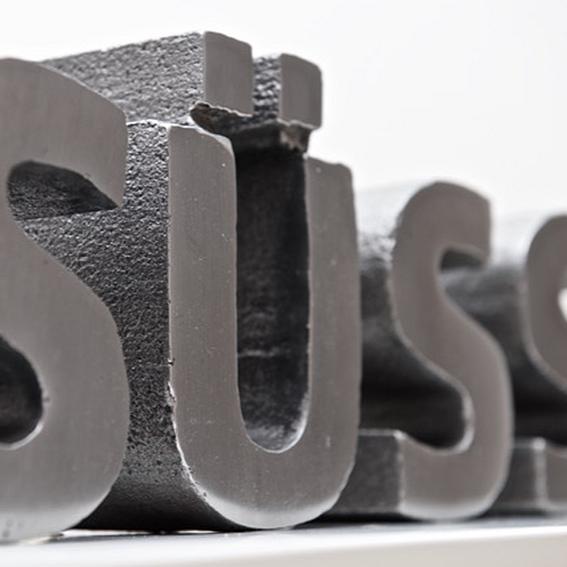 Steel letter object / Size L