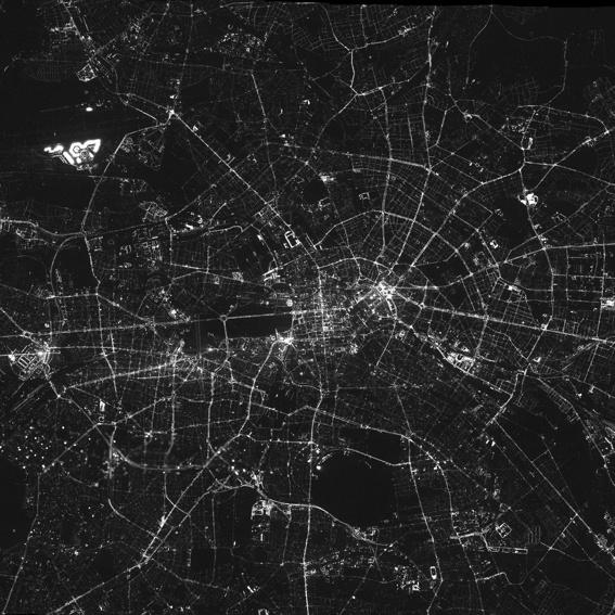 20 Lose, wie oben, plus Poster von Berlin bei Nacht (nur Selbstabholung)