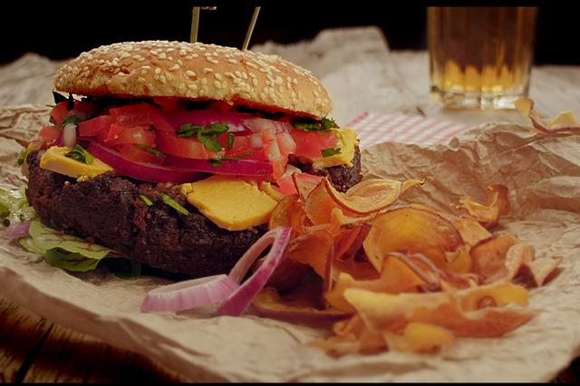 """Yes Ve Gan"" – Wir bringen veganes Fast Food auf die Räder"