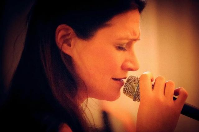 Julia Luis - New Album