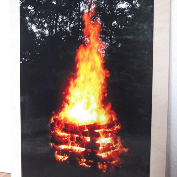 1 Feuerbild auf Sperrholz mit Rahmen ca 52x37x1,4 cm