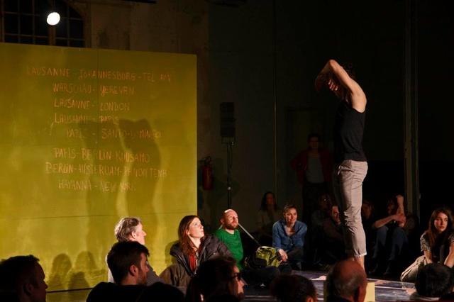 A/way - eine Theater-Painting-Performance in Bewegung
