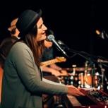 Piano-, Vocal- oder Songwriting Unterricht  bei Julia Buch (60min)