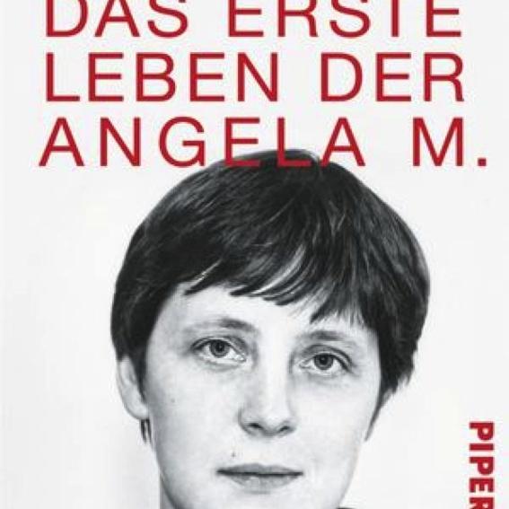 Buch mit Widmung:Das erste Leben der Angela M.