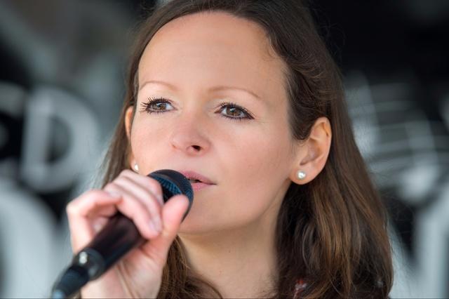 Kira Ludlow - Debütalbum