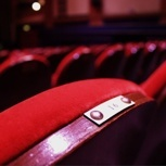 Dein Name auf einem Stuhl & Goldenes Ticket