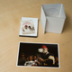 DVD-Box mit Fine-Art-Print No.2 (baryt glossy) und Postkarte