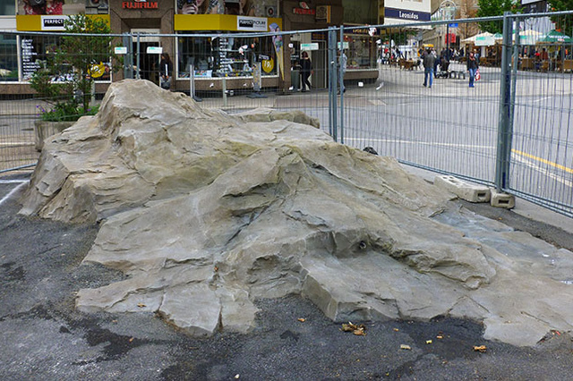 Stein mit Vollausstattung - freies Energie-Projekt