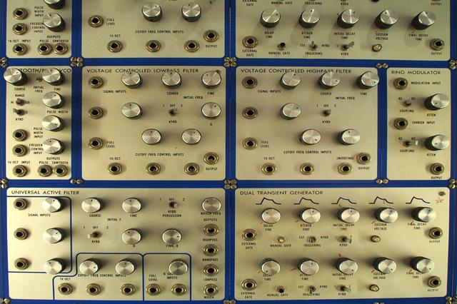 Musikmaschinen - Die Geschichte der Elektromusik