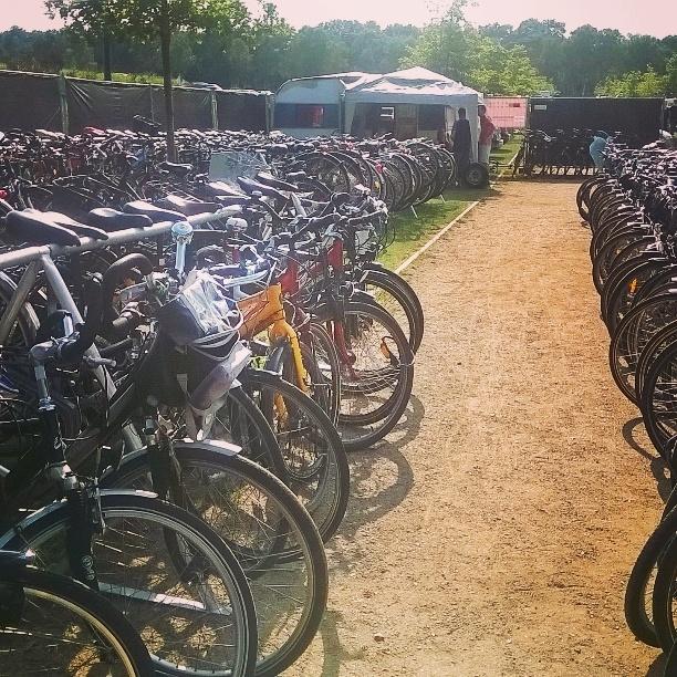FahrradGarderobe_beim_A_Summers_Tale_Festival_0001.jpg