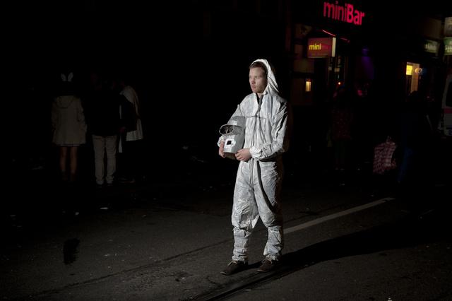 """""""elfuhrelf"""" -ein fotografisches Projekt zum Kölner Karneval"""
