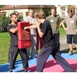 Onlinezugang, Autogrammkarte, DVD, Nennung im Abspann plus Choreographie und Stunt-Training (Einzeltraining)